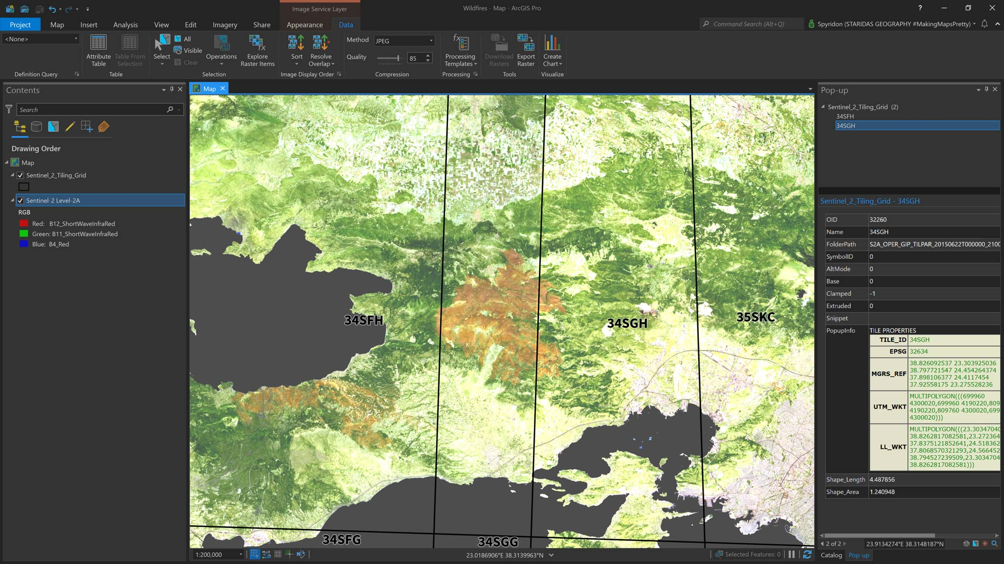 Picture 2: Changing the band combination of the Sentinel-2 imagery layer and loading the Sentinel-2 Tiling Grid.